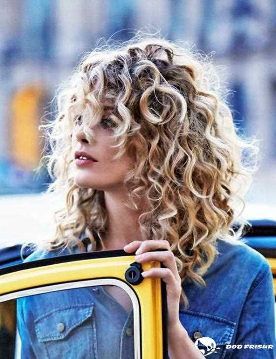 105 Haute Mittellange Frisuren Fur Frauen 2019 2020 Hair Coole Bob Bobfrisuren Coolest Curly Hair Trends Curly Hair Styles Naturally Cute Curly Hairstyles