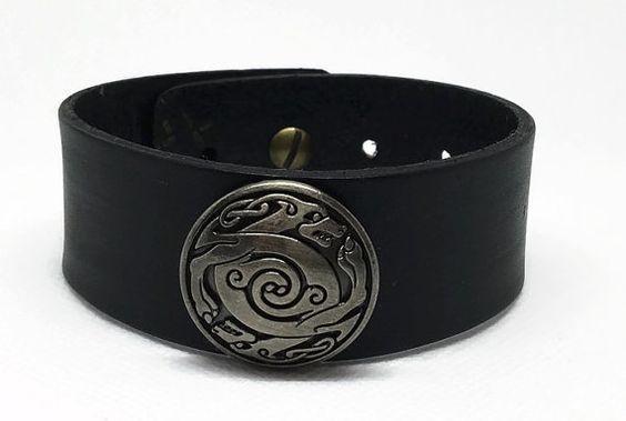 Bracelet pour Homme en cuir noir Bracelet par DreamyKaonaCreations