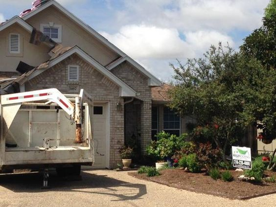 Reilly Roofing Gutters 2626 Thousand Oaks 1004 San Antonio Tx78232 Phone 210 228 4000 Hours Monday Friday 8am 5 Roofing How To Install Gutters Gutters