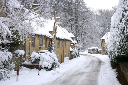 A snowy Broad Campden, Chipping Campden, Gloucestershire - photo by Betty Stocker