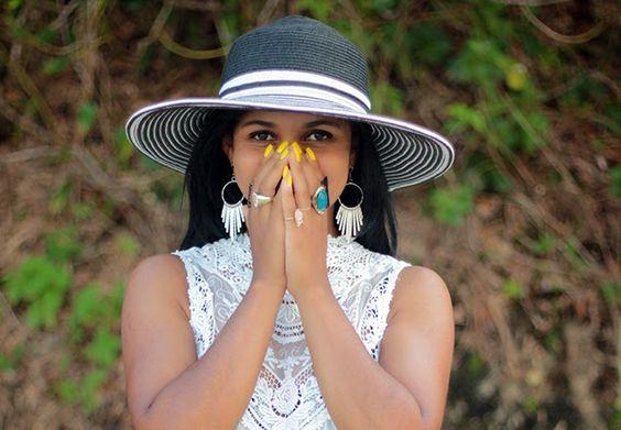 #Look #Verão #Vestido #Renda #chapeu #praia #dress #income #unha #amarelo