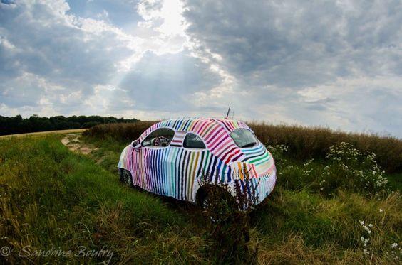 Sandrine Boutry's #SecretStripyProject is ... a car! #yarnbomb #crochet #knithacker