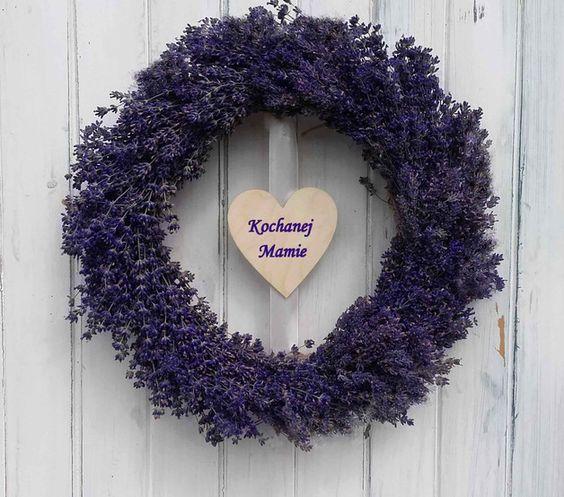 Lubisz aromat lawendy i jej intensywną barwę kwiatów. Doceniasz jej relaksująco…