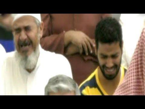 بكاء كل من داخل المسجد بعد سماع صوت هذا القارئ من اول دقيقه Youtube