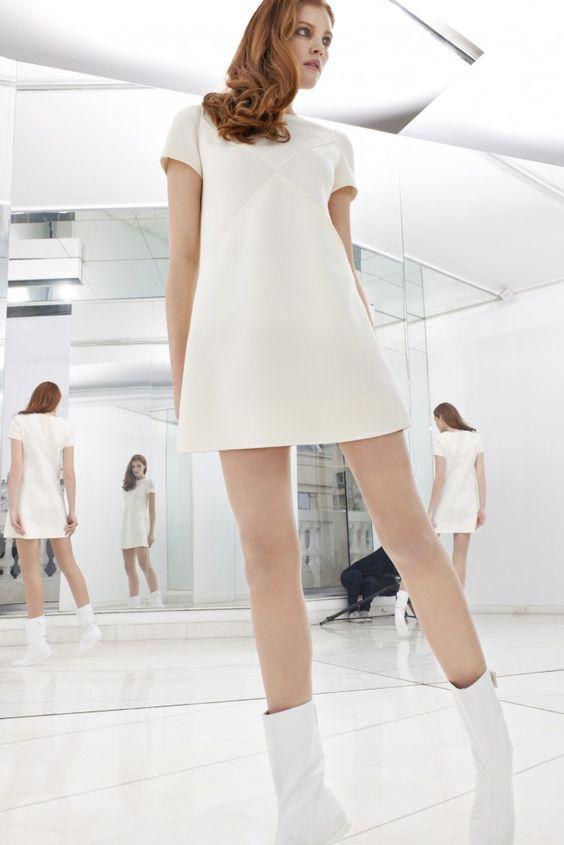 Robe blanc style courreges dress