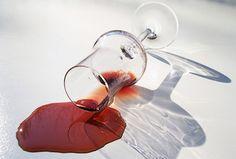 10 méthodes pour enlever une tache de vin rouge