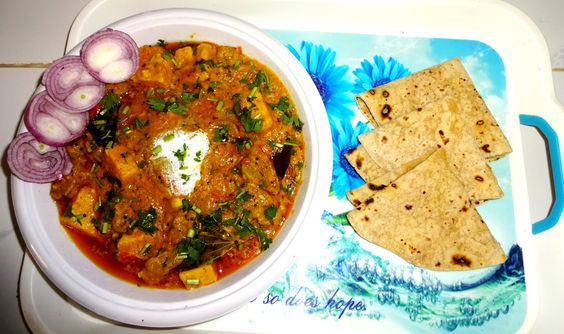 Gujarati recipe:- creamy dhokli curry with roti