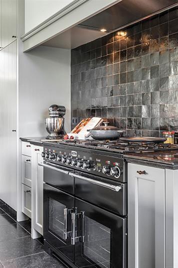 Mooie Keuken Tegels : Mooie tegels achter het fornuis.