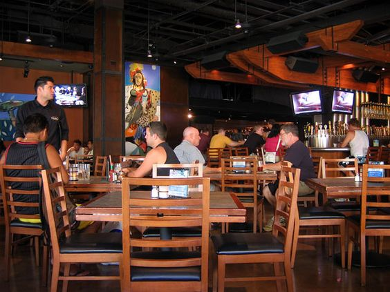 Yardhouse, Waikiki (and other locations)