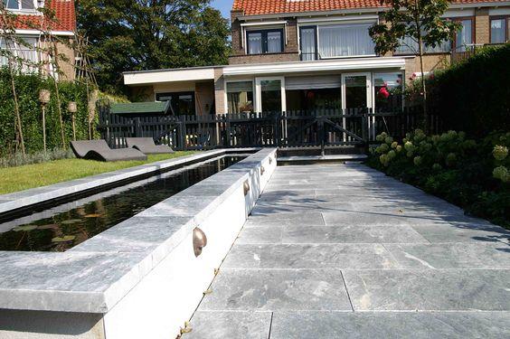 Op gemetselde vijver met hard stenen rand ontwerp en aanleg hoveniersbedrijf van els cker tuin for Tuin decoratie met stenen
