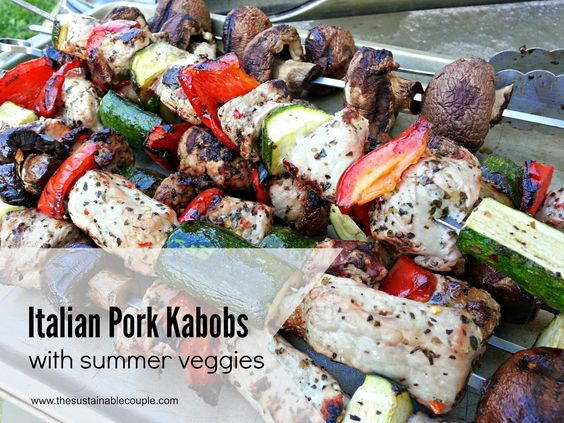 The Sustainable Couple: Italian Pork Kabobs with Summer Veggies & an ULTIMATE GRILLING GIVEAWAY!