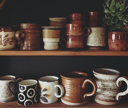 Kitchen Shelves Earth Tone Ceramics Ceramic Cups Earth Tone Decor Earth Tones Kitchen