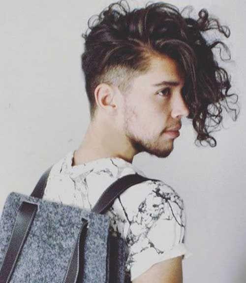 Frisur Ideen Fur Manner Mit Lockigem Haar Neueste Frisuren Hipster Hairstyles Long Hair Styles Undercut Curly Hair
