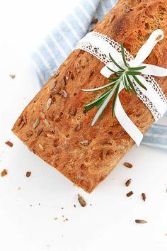 Karotten-Dinkel Brot www.whatmakesmehappy.de