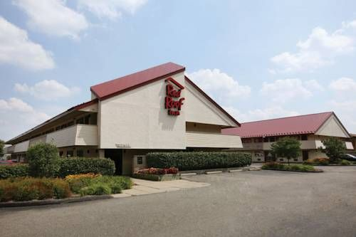 Cheap, Discount Pet Friendly Hotel In Madison Heights, Michigan | Red Roof  Inn Detroit Madison Heights | Stay With Red Roof | Pinterest | Red Roof, ...