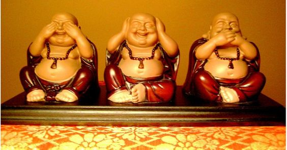 Vietnamese Hoteis 布袋 see no evil. hear no evil, speak no evil      Personal collection.