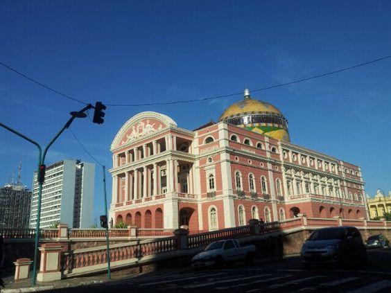 Teatro Amazonas,simbolo dos tempos aureos da borracha. Continua lindo e imponente, desde 1896.  #PinMyCity