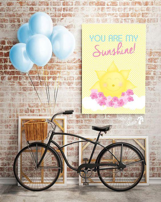 """Póster con el mensaje """"You are my sunshine"""" Imagen perfecta para cualquier cuarto o área de juegos."""