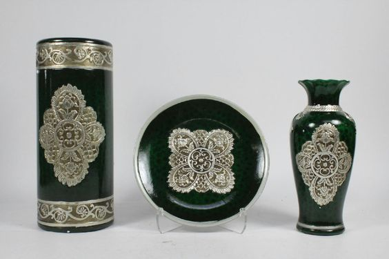 3 Piece Yinwei Porcelain Hand Painted Chinese Vases Plus Plate With Stand Set #Yinwei