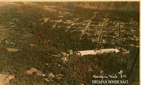 Uruapan, la construcción mas grande que ven es la Fabrica de Hilados y Tejidos San Pedro... Comparte =D Gracias...