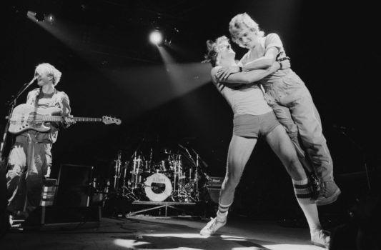 """Bei der """"Ghost In The Machine Tour"""", 1981 in Philadelphia.- Aber fehlende Dynamik? Die zweite LP-Seite von """"Ghost In The Machine"""" dürfte die schlankeste, fitteste und kraftvollste sein, die The Police je veröffentlichten."""