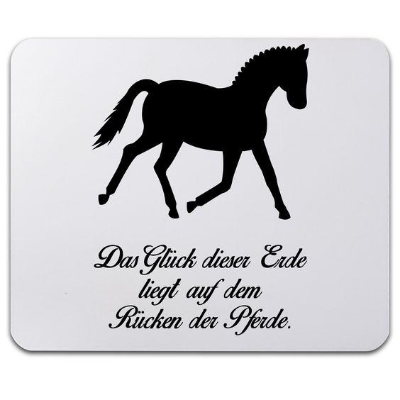 Mauspad Druck Dressurpferd aus Naturkautschuk  ##MATERIALS_COLORNAME## - Das Original von Mr. & Mrs. Panda.  Ein wunderschönes Mouse Pad der Marke Mr. & Mrs. Panda. Alle Motive werden liebevoll gestaltet und in unserer Manufaktur in Norddeutschland per Hand auf die Mouse Pads aufgebracht.    Über unser Motiv Dressurpferd  Jedes Mädchen liebt Pferde und träumt von Ferien auf dem Reiterhof. Ponys und Pferde sind wundervolle Tiere.  Unser Dressurpferd ist nicht für professionelle Reiter oder…