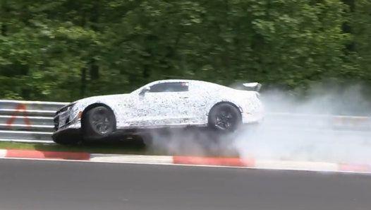 Lors d'un test sur le Nürburgring La future Chevrolet Camaro Z28 se crash - http://www.newstube.fr/lors-dun-test-nurburgring-future-chevrolet-camaro-z28-se-crash/ #Chevrolet, #ChevroletCamaroZ28, #VidéoChevrolet, #VideoCrash