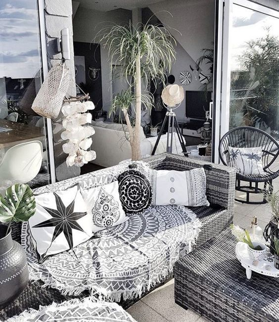 Black And White Bohemian Patio Space Get Great Pieces Like This For Your Outdoo Black And White Living Room Living Room White Interior Design Living Room Warm