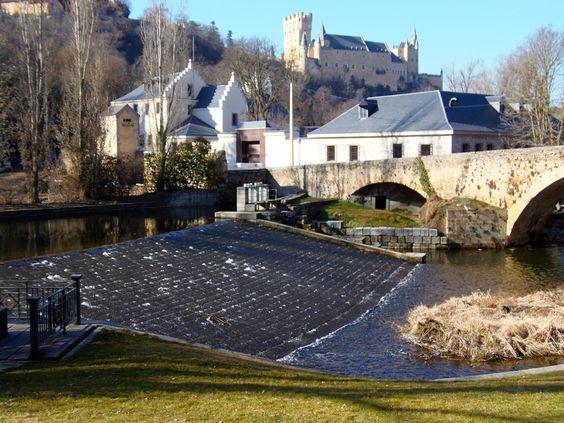Os invitamos a pasear por el Alcázar de Segovia. #historia #turismo  http://www.rutasconhistoria.es/loc/alcazar-de-segovia