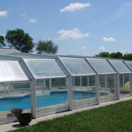 Maryland Swimming Pool Enclosure Manufactured By Roll A Cover Swimming Pool Enclosures Pool Enclosures Residential Pool