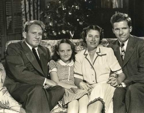 Spencer Tracy with daughter Susie, wife Louise and son John.