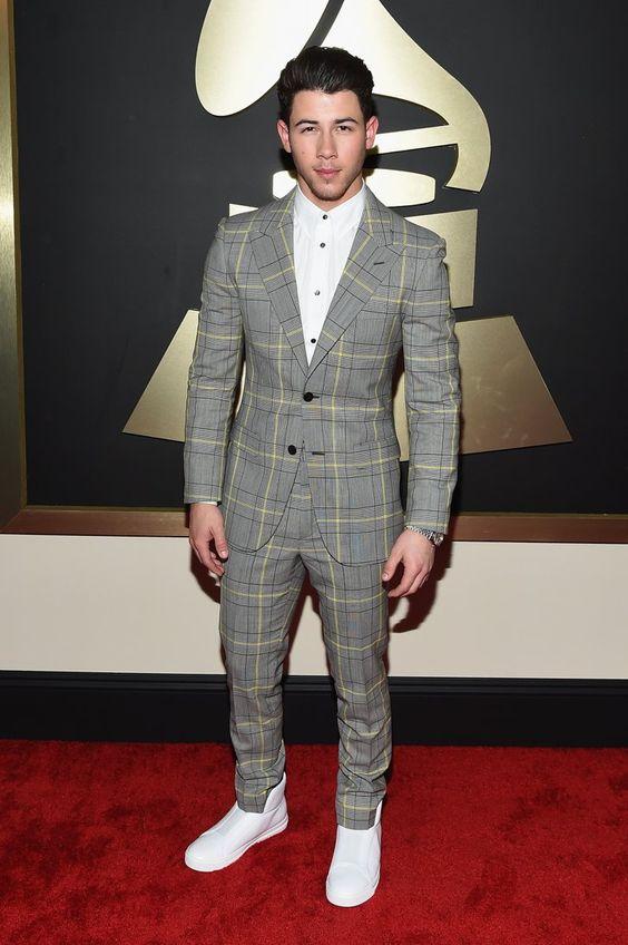 Pin for Later: Seht alle Stars bei den Grammys! Nick Jonas