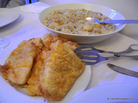 O Caraças, restaurant familial dont j'ai trouvé l'adresse sur le blog Il était une faim. Des produits frais cuisinés en direct, un accueil chaleureux, c'est comme à la maison! Côté quantité, je vous conseille de ne pas manger pendant 2 jours avant. On nous a apporté une énorme pile de filets de poissons frits, avec une sorte de sauce/accompagnement à base de poisson et de mie de pain en quantité suffisante pour faire manger 5 personnes! Un peu lourd mais très bon et peu cher !