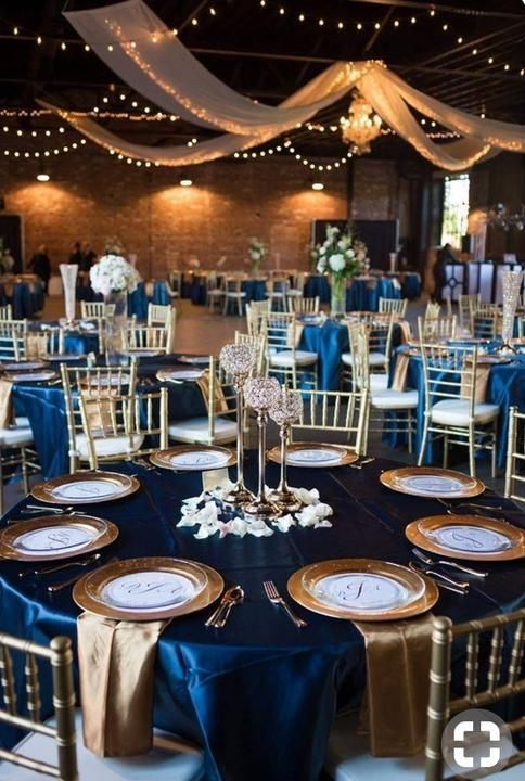 Top 8 Striking Navy Blue Wedding Color Palettes For 2019 Fall Navy Blue And Gold Table Set Blue Wedding Decorations Blue Gold Wedding Blue Wedding Receptions