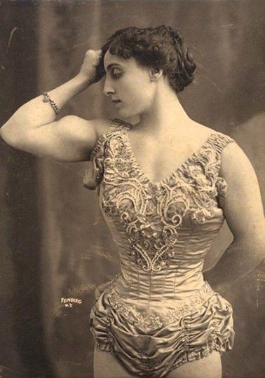 Josephine Blatt - early pioneer of female bodybuilding #strongwoman