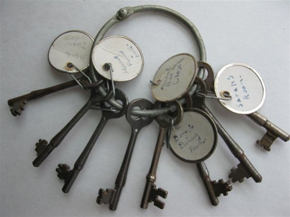 """Door keys vintage house set of keys 1920s by Anna3  Tell guests to write down their """"key to success"""" for marriage and tie around the key with ribbon"""