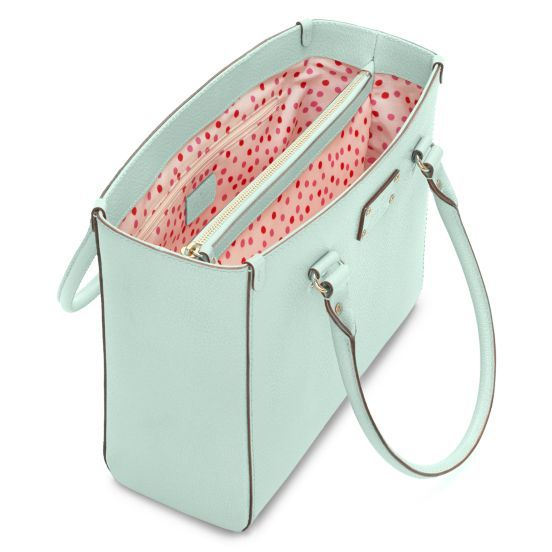 kate spade   leather handbags - wellesley quinn // I'd cut off some fingers for a Kate Spade Quinn. (Not an arm. I need it to carry my purse.)