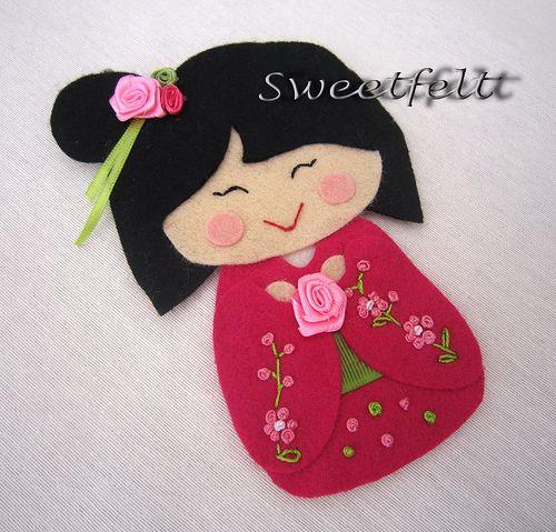 ♥♥♥ As minhas meninas estão de regresso! Hoje temos o Japão com uma menina já vossa conhecida!! by sweetfelt \ ideias em feltro