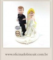 Topo de bolo noivinhos personalizados para casamento noivinho com cooler e cerveja
