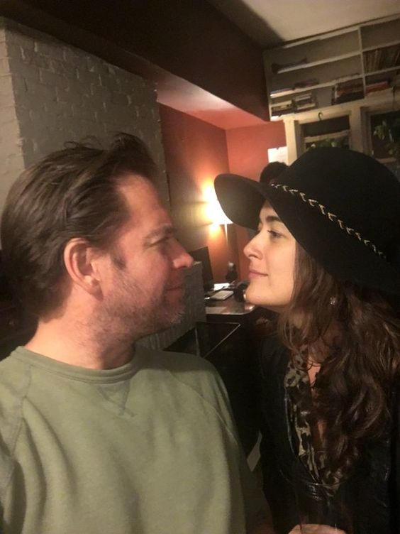 Michael a Cote během sledování finále 13. řady