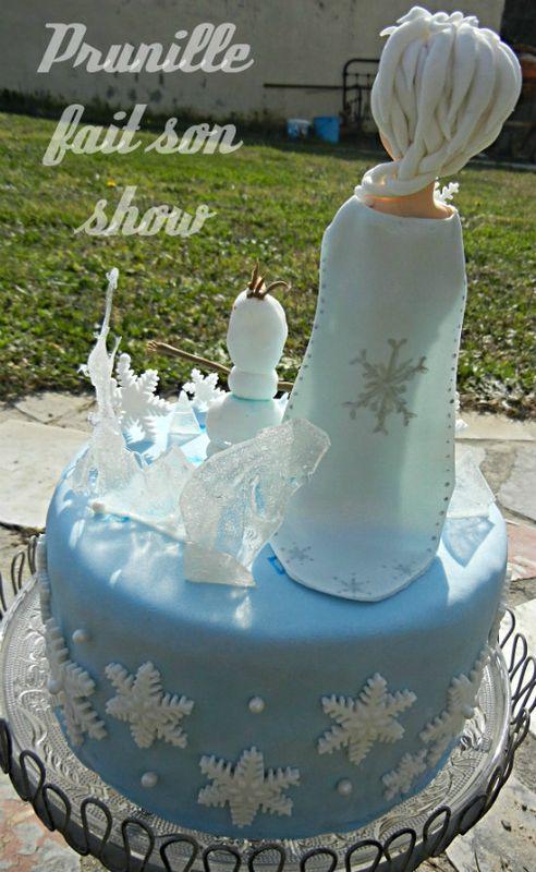 gateau d 39 anniversaire princesse elsa du film la reine des neiges frozen couleur bleu d cor. Black Bedroom Furniture Sets. Home Design Ideas
