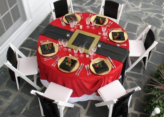 Santa Table - I did something like this for the company Christmas party and it came out so cute!:
