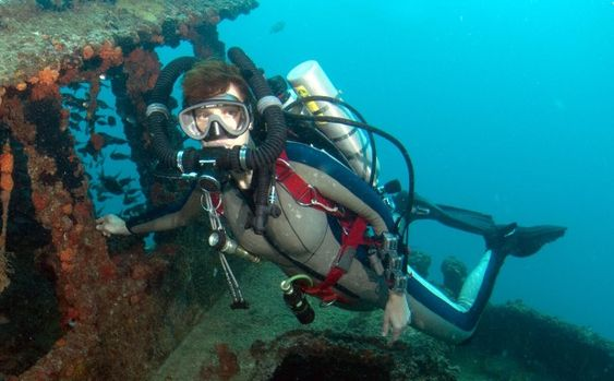 Rebreathers-- developments in scuba technology are allowing for longer, deeper, and less invasive dives. But what are the risks to humans?