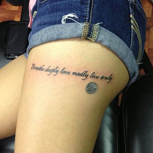Best Quote Thigh Tattoos For Women Best Thigh Tattoos For Women Cute Leg Tattoos On Upper Side And Back Thigh Tatuajes Tatuajes Muslo Tatuajes Geniales