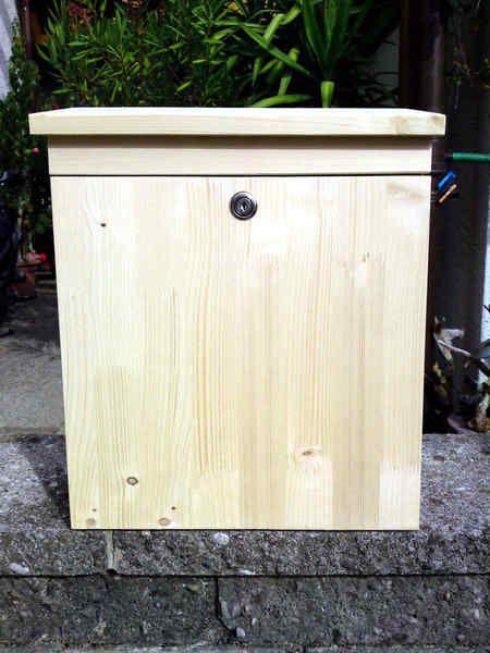 Holzbriefkasten, Holzpostkasten mit Klappe von *Die Briefkastenwerkstatt* auf DaWanda.com
