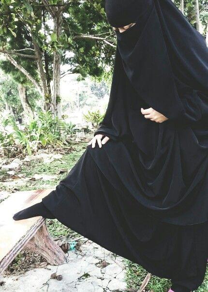 Sharihearts Wavy Glitter Stripes Nail Art: Made This Jilbab And Sirwal. Sewn By Me