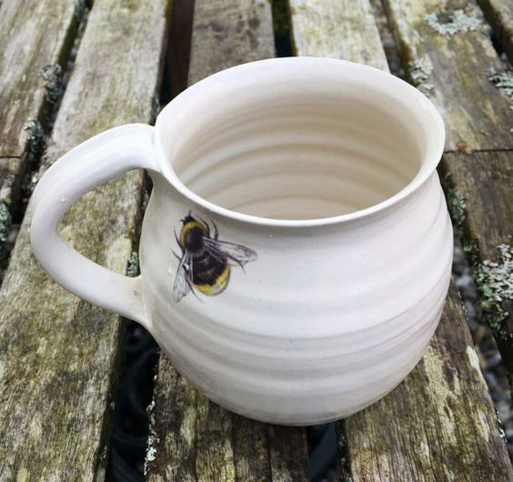 White bumble bee pottery cup mug ceramic stoneware
