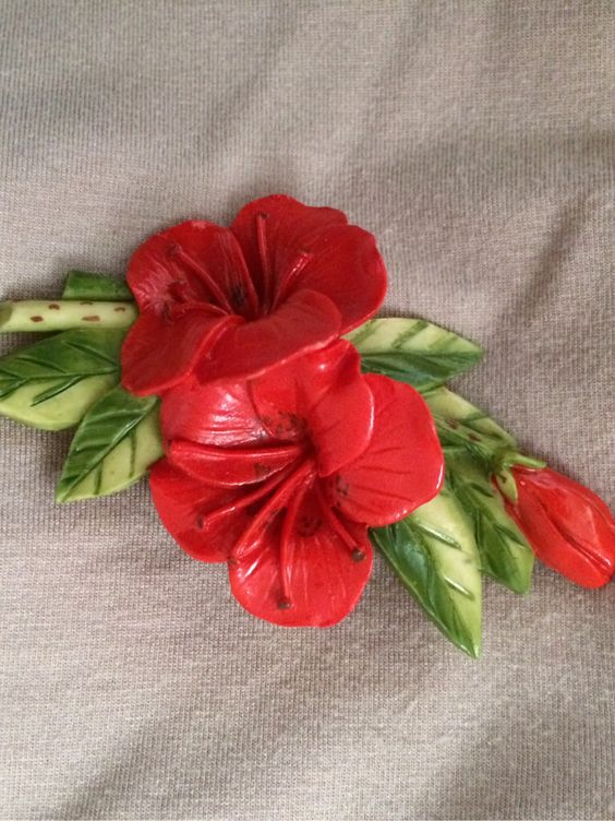 1940s painted celluloid brooch