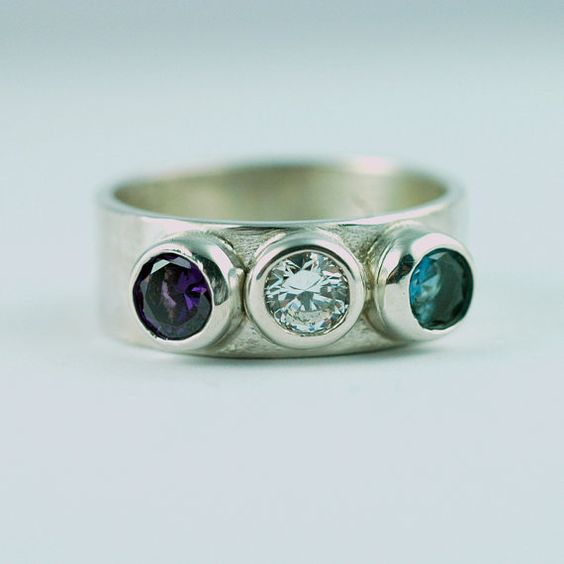 Chic Mother's Ring