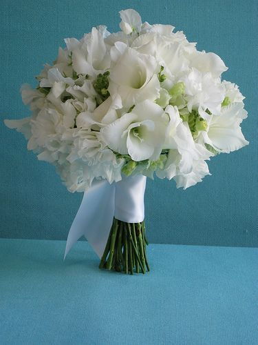 white gladiolus bridal bouquet google search floral pinterest gladiolus bridal bouquet. Black Bedroom Furniture Sets. Home Design Ideas